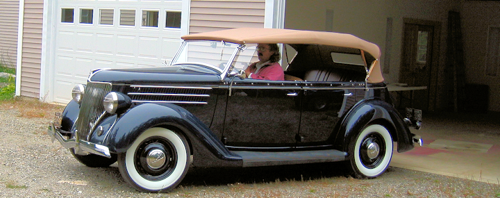 1936 Ford with simple stripes that don't start working till you get closer.