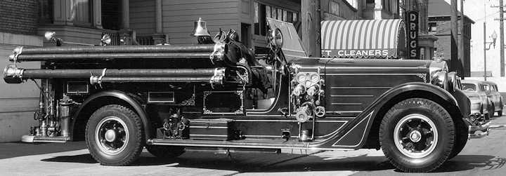 old photo of an American LaFrance Senior 400