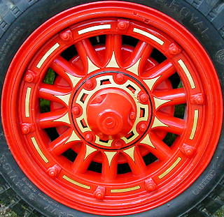 1923 Maxim fire engine wheel