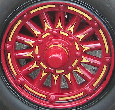 1926 Maxim fire engine wheel stripes