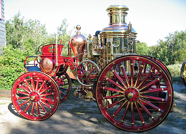 1907 Amoskeag steam fire engine