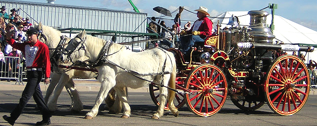 1910 Nott steam fire engine in Tucson Rodeo Parade
